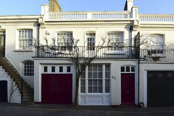 holland park mews